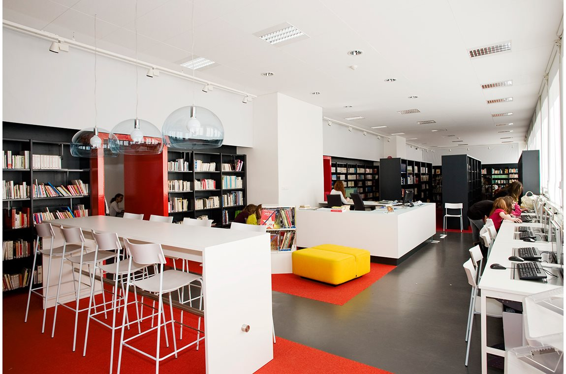 The French School in Stockholm, Sweden - School libraries