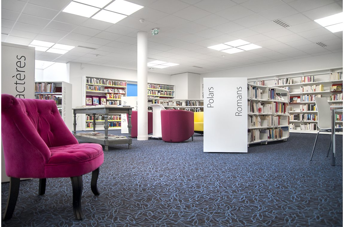Médiathèque d'Azay-le-Rideau, France - Bibliothèque municipale
