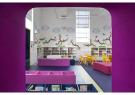 palmers_green_public_library_uk_033.jpg