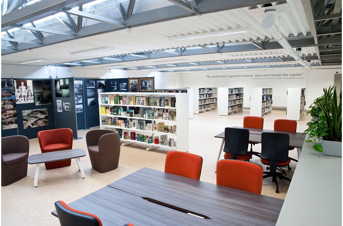 Bibliothèque municipale de Ballyfermot, Irelande - Bibliothèque municipale