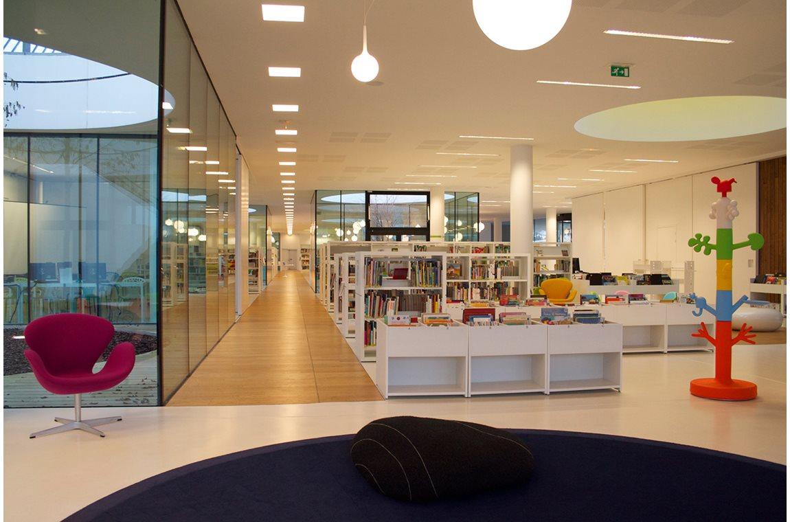 "Médiathèque ""les temps modernes"" de Tarnos, Frankreich - Öffentliche Bibliothek"