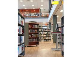 stockton_public_library_uk_007.jpg