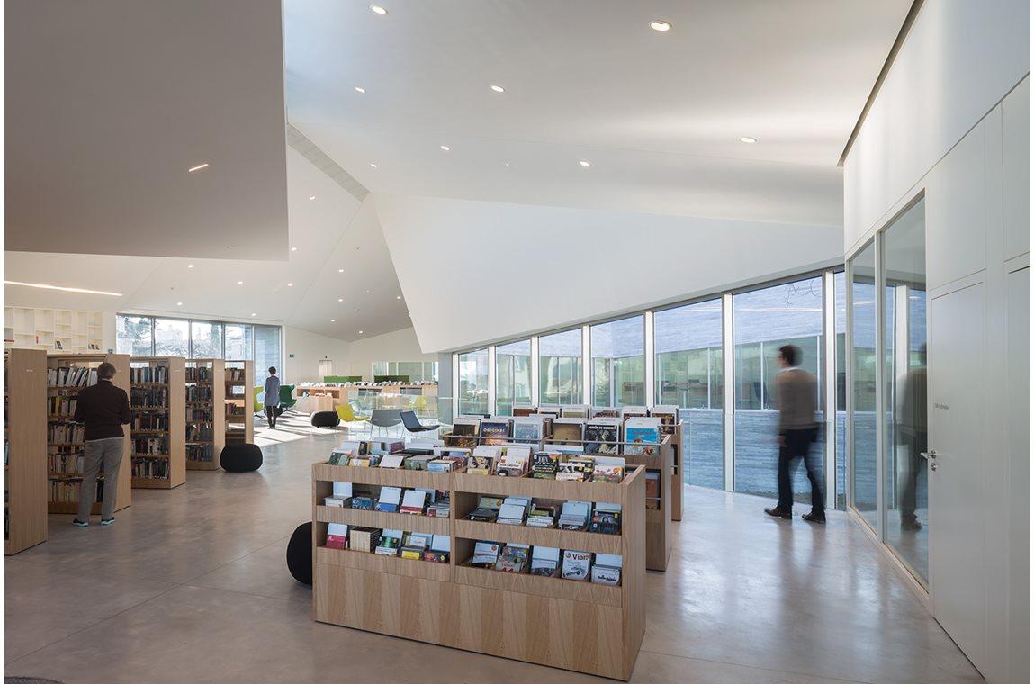 Öffentliche Bibliothek Francois Villon in Bourg-la-Reine, Frankreich - Öffentliche Bibliothek