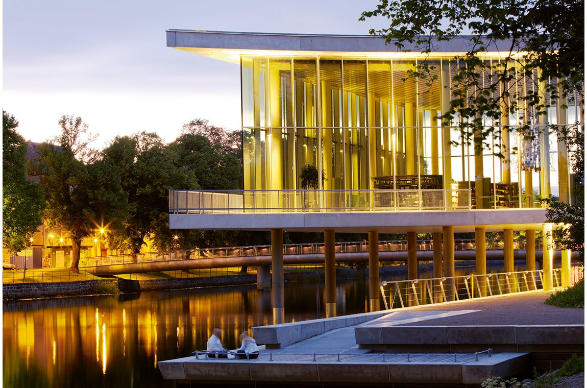 La bibliothèque principale d'Halmstad, Suède - Bibliothèque municipale
