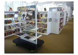 chelles_public_library_fr_025.jpg