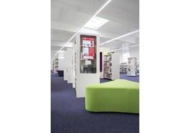 palmers_green_public_library_uk_019-2.jpg