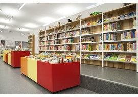 berlin_westerwaldstrasse_public_library_de_006.jpg