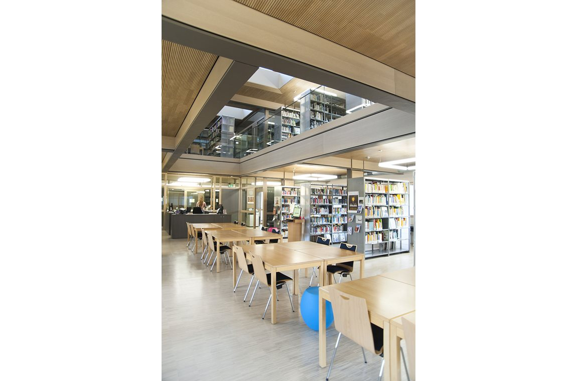 Ecole Privée Fieldgen, Luxembourg - Schoolbibliotheek