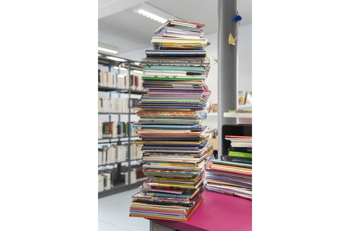 Habay-la-Neuve Public Library, Belgium - Public libraries