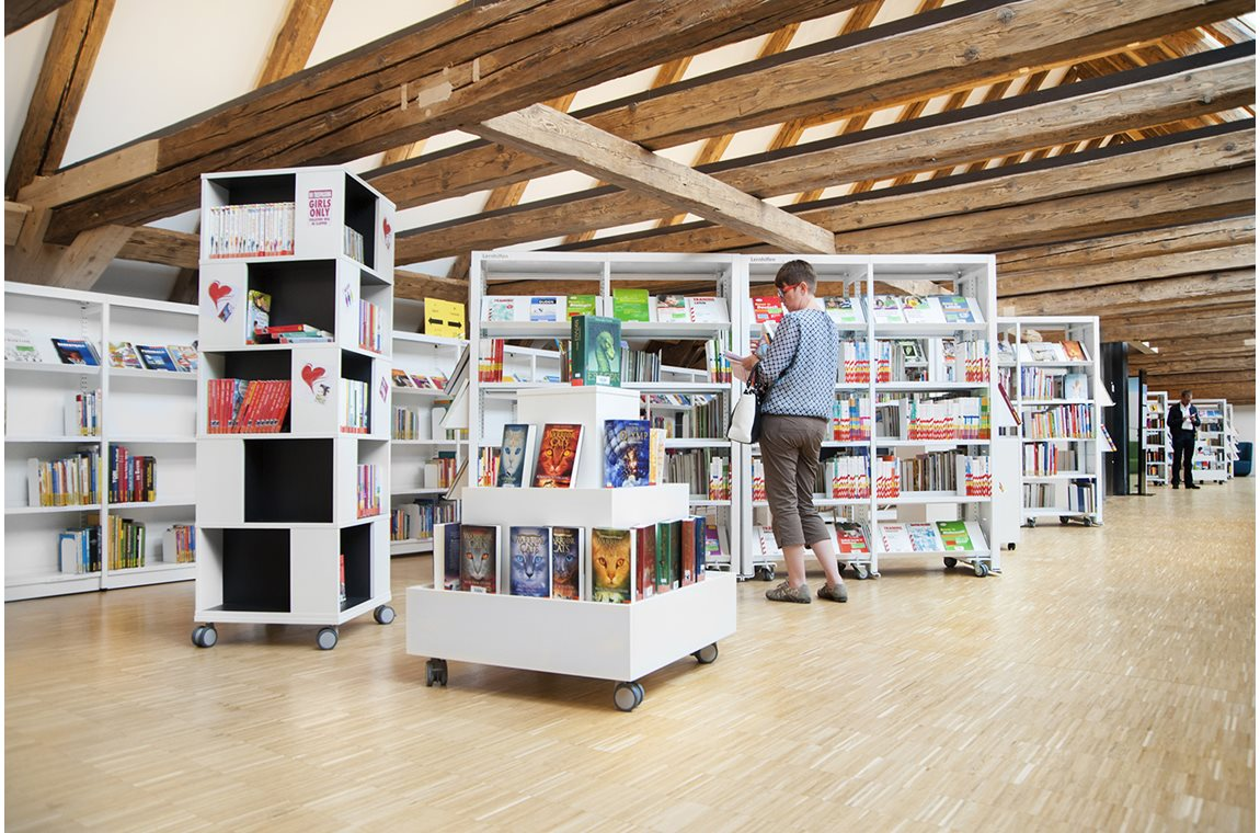 Öffentliche Bibliothek Dingolfing, Deutschland - Öffentliche Bibliothek