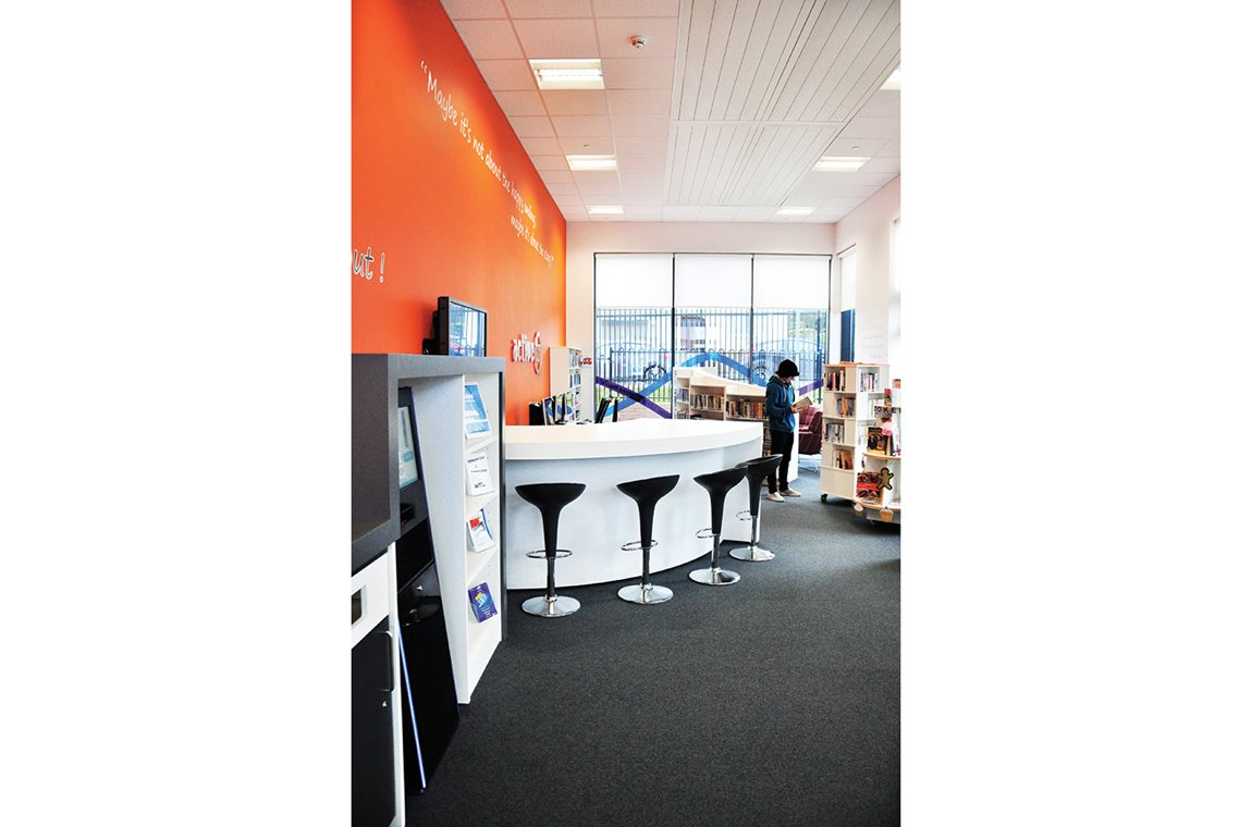 Blackwood Public Library, United Kingdom - Public libraries