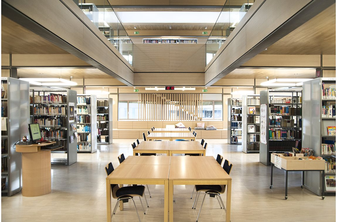 Fieldgen Private School, Luxembourg - School libraries