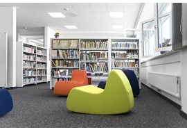 gymnasium_fraenkische_schweiz_ebermannstadt_school_library_de_008.jpg