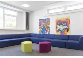 gymnasium_fraenkische_schweiz_ebermannstadt_school_library_de_010.jpg