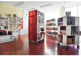 nuernbeg_staedtisches_sigena_gymnasium_school_library_de_004.jpg