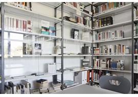 muenchen_lion_feuchtwanger_gymnasium_school_library_de_003.jpg