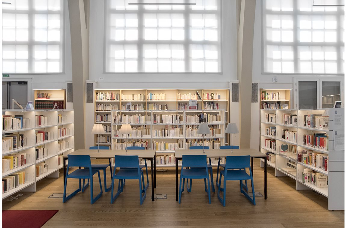 Lycée Paul Langevin, Suresnes, France - School libraries