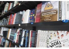 roskilde_RUC_boghandel_academic_library_dk_004.jpg