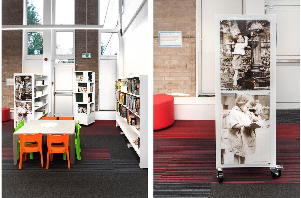 Cardonald Public Library, United Kingdom - Public libraries