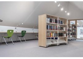 stadtbibliothek_marktheidenfeld_public_library_de_017.jpg