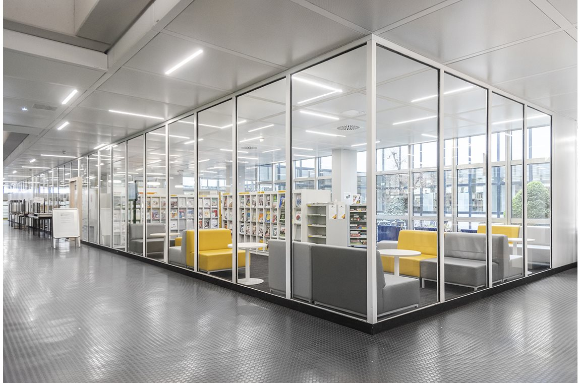 Biberach School Library, Germany - School libraries