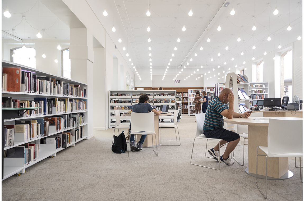 Saint-Quentin Public Library, France - Public libraries