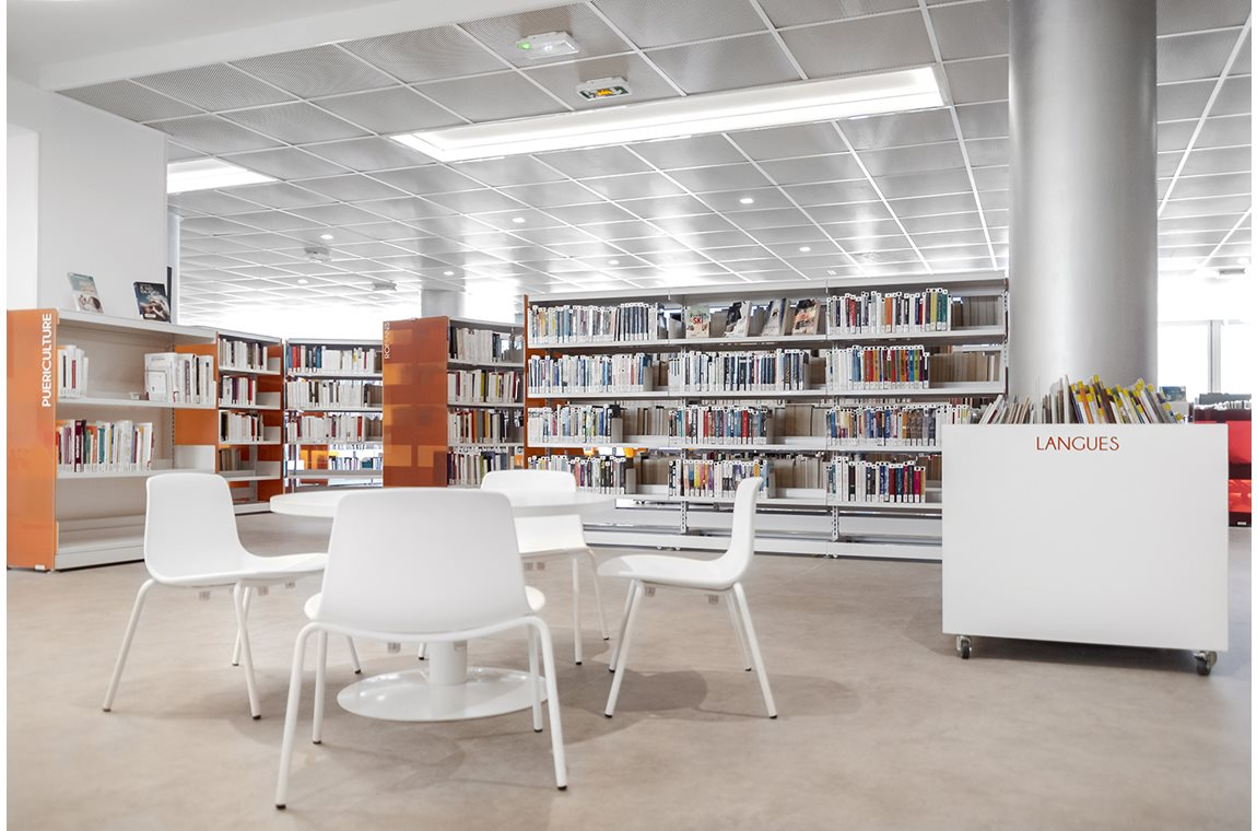 Bourg Saint Maurice Public Library, France - Public libraries