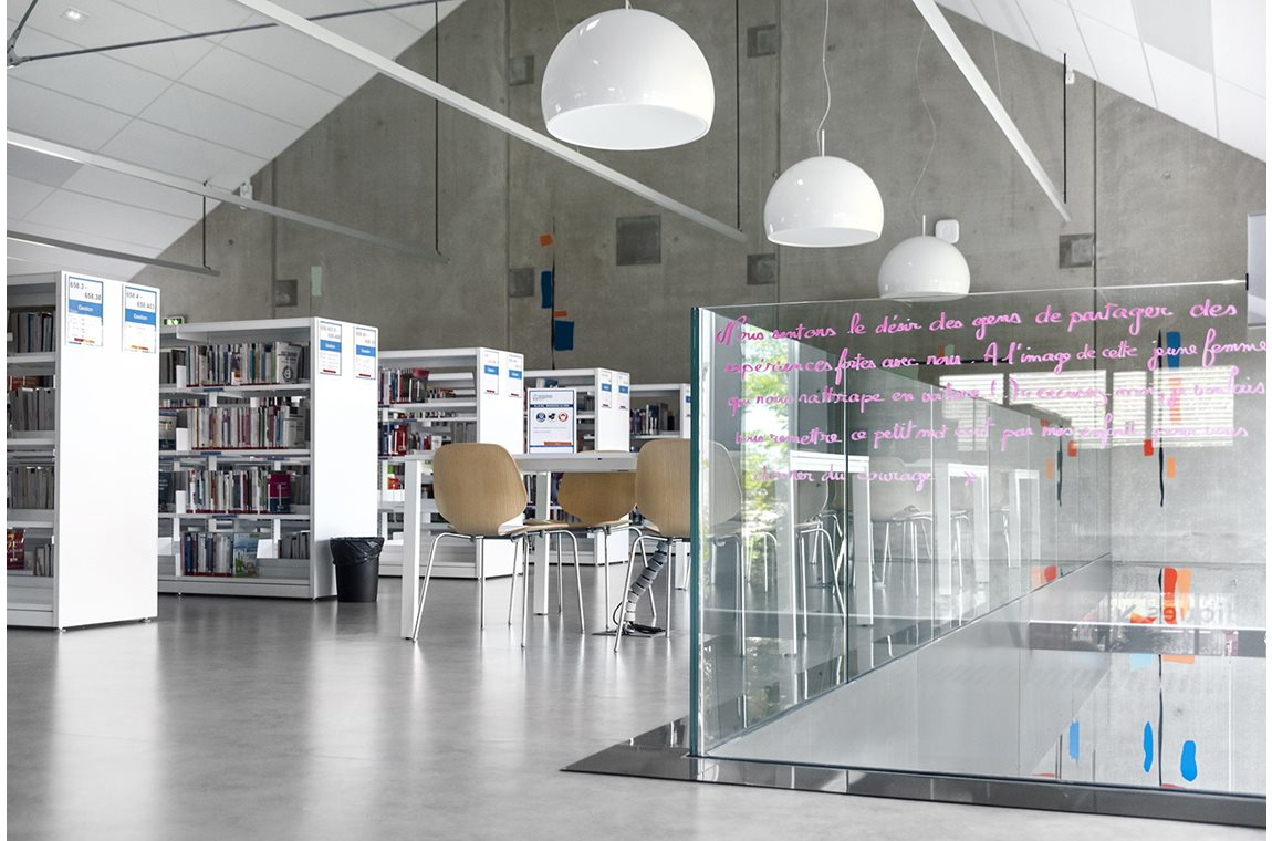 Annecy le Vieux University Library, France - Academic libraries