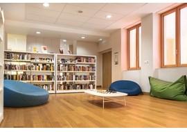 mediathèque_de_st_claude_public_library_fr_011.jpg