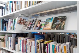 trith_saint_leger_public_library_fr_026.jpg