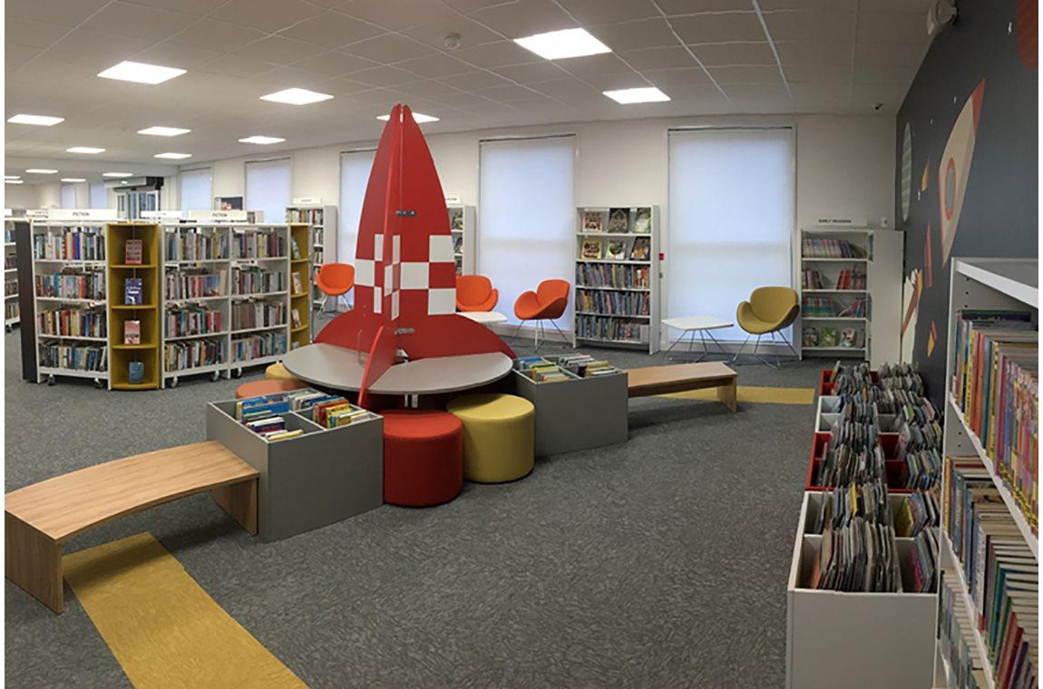 Bibliothèque municipale de Newport Pagnell, Royame-Uni - Bibliothèque municipale