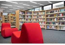 hannover_stadtteilbibliothek_herrenhausen_public_library_de_002.jpg