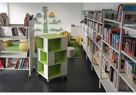 002_Display_Labyrinth_book_shelf.jpg
